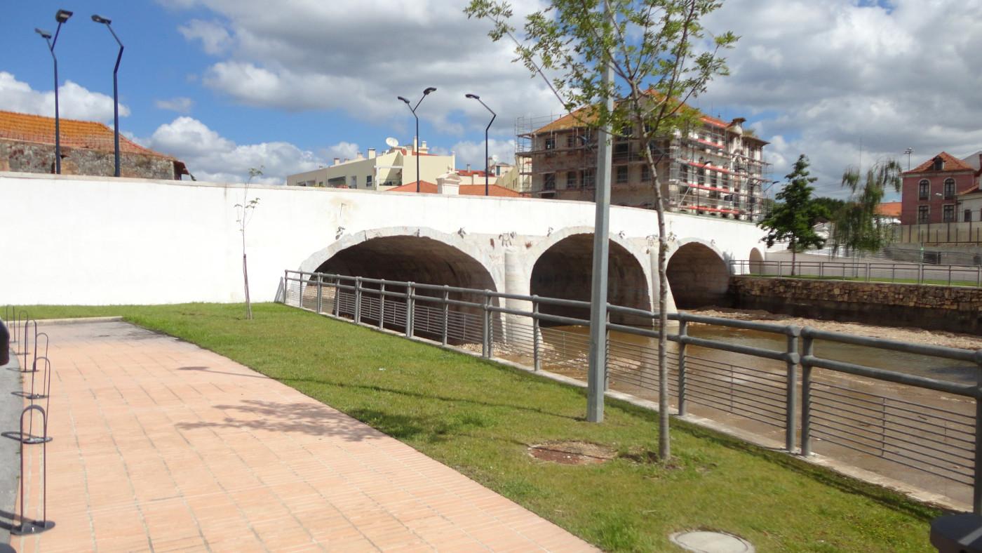 Ponte D. Maria